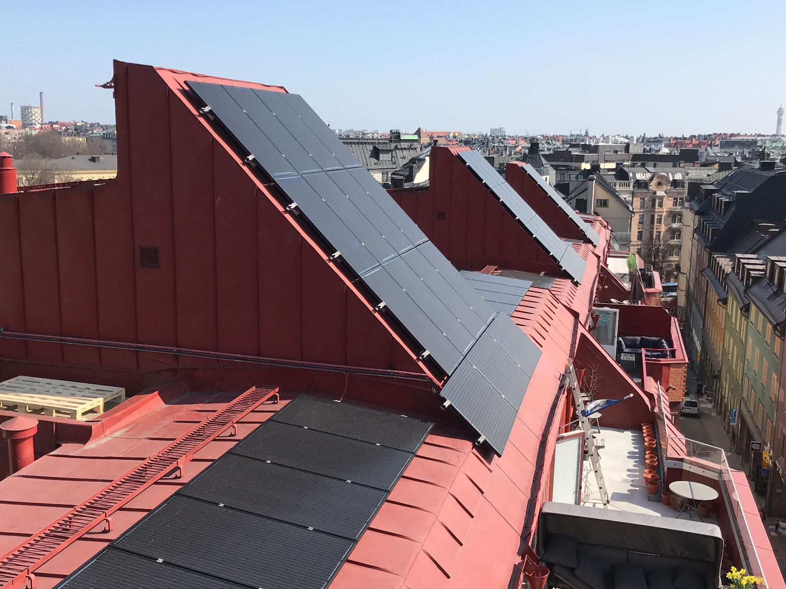 Installation solceller Regeringsgatan Stockholm